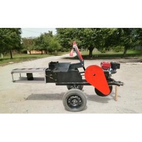 Сенотюковщик с бензиновым двигателем